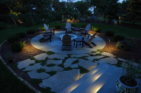 5 landscape lighting ideas to light up your home